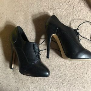 Aldo Laced Booties Size 5
